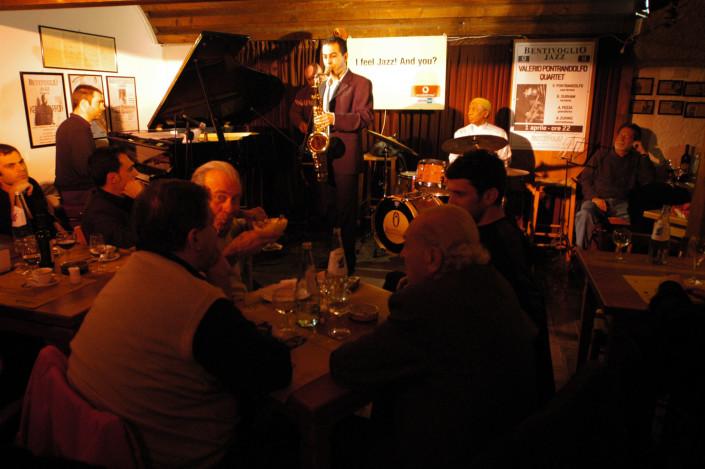 Valerio Pontrandolfo Quartet - Andrea Pozza, Aldo Zunino, Valerio Pontrandolfo and Bobby Durham - Today's Jazz at Cantina Bentivoglio - Bologna (Italy) April 1, 2004
